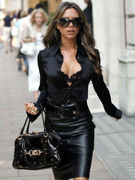 С чем носить черную женскую рубашку